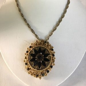 Jewelry - Vintage Florenza Highly detailed pendant neck